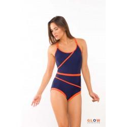 Kostium kąpielowy z geometrycznymi cięciami