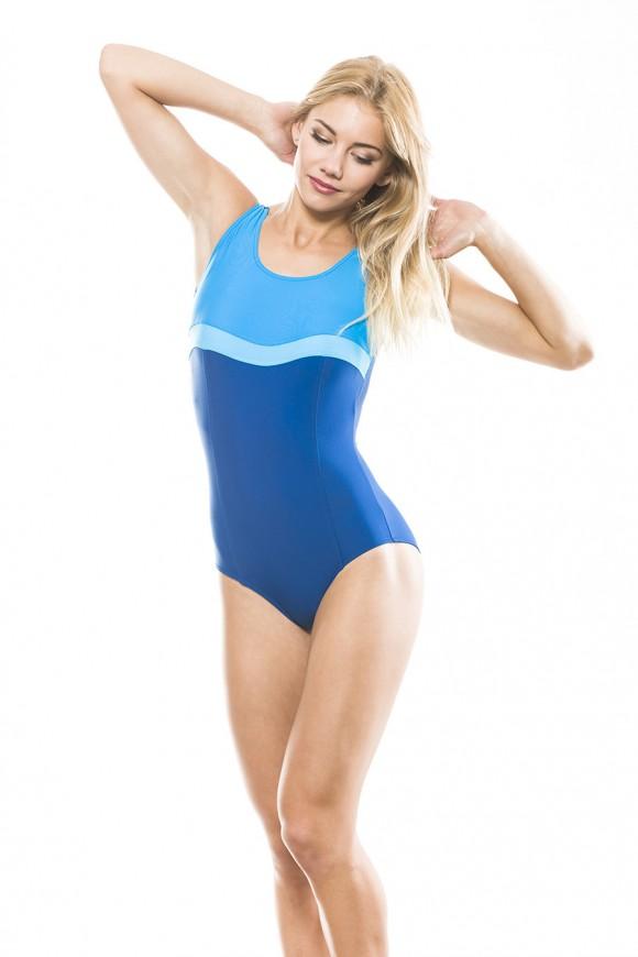 223 Klasyczny kostium kąpielowy